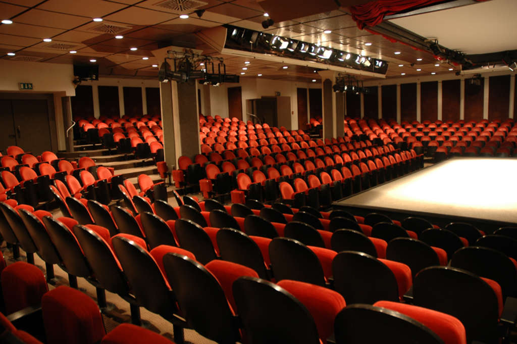 Theater Am Dom Tickets